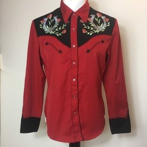 Scully Rose & horseshoe embroidered top pearl snap